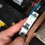 走行充電が止まる。。。 からのソーラーパネルブレーカー設置